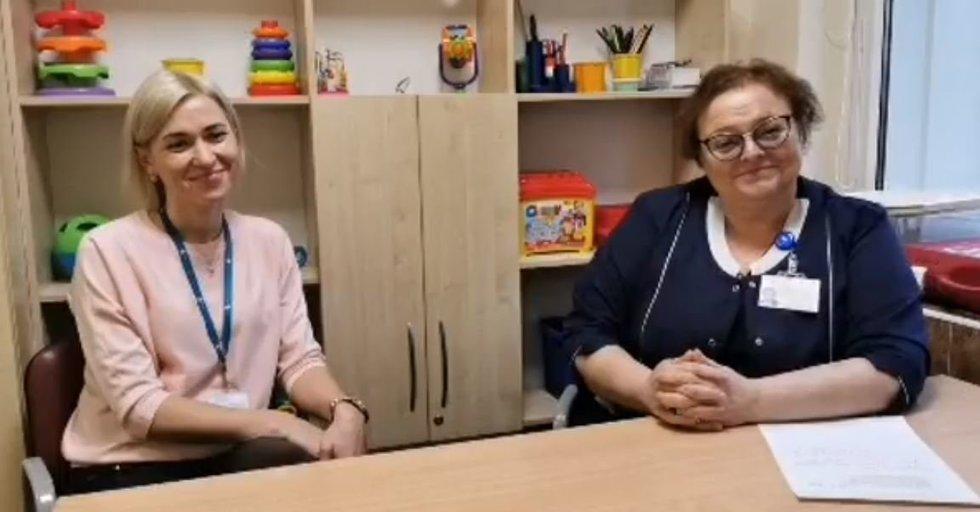 VUL Santaros klinikų Vaiko raidos centro Vaikų ankstyvosios reabilitacijos skyriaus vedėja gydytoja vaikų neurologė Laima Mikulėnaitė ir ergoterapeutė Irina Butkienė