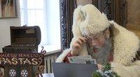 Vyriausiasis Lietuvos senelis Kalėda jau kviečia rašyti laiškus ir kviečia švęsti saugiai (nuotr. stop kadras)