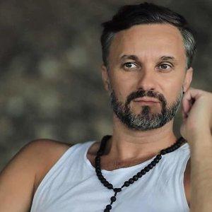 """Aktorius Kvoščiauskas – apie simptomus, kuriuos pajuto po """"AstraZeneca"""" skiepo: su tokia būsena lipdavo ir ant scenos"""