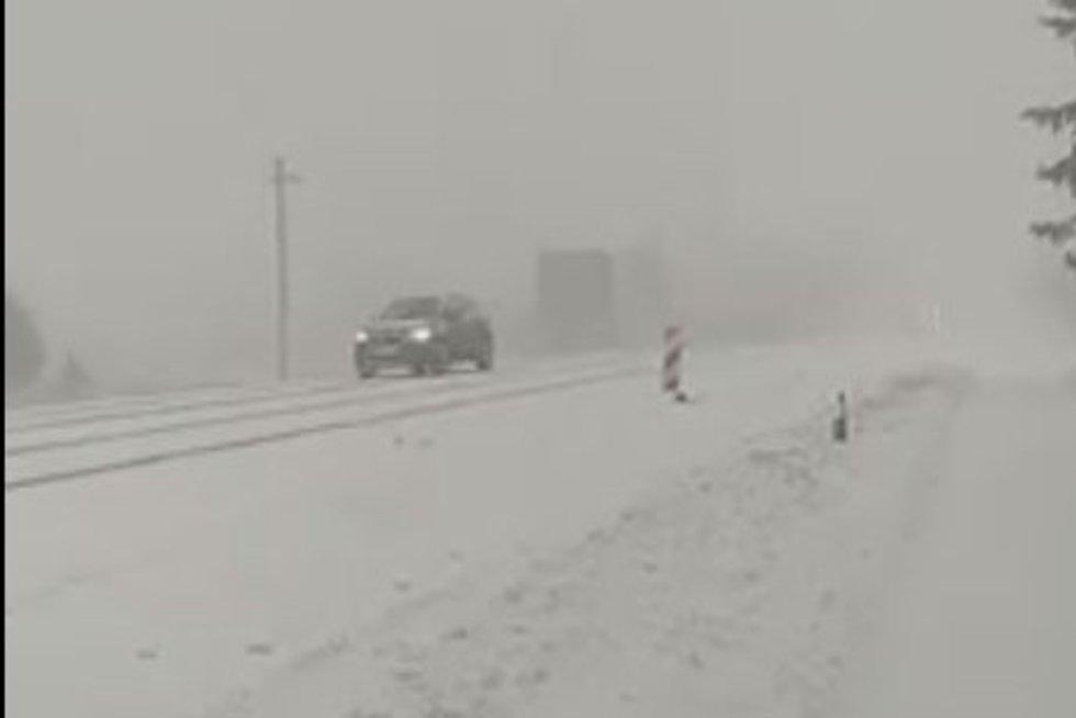 Sniegas Mažeikiuose (nuotr. facebook.com)
