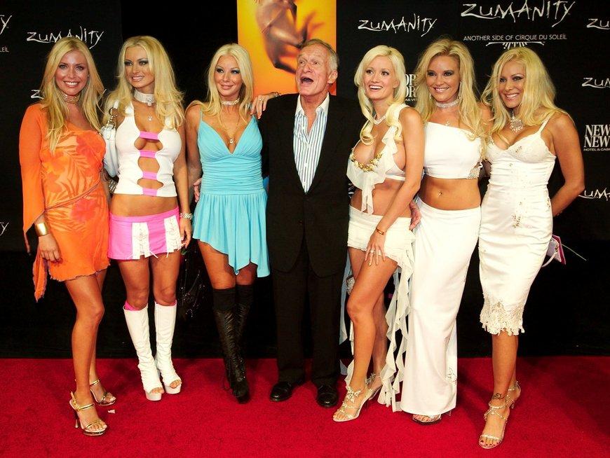 """Hugh Hefner ir """"Playboy"""" zuikučiai"""