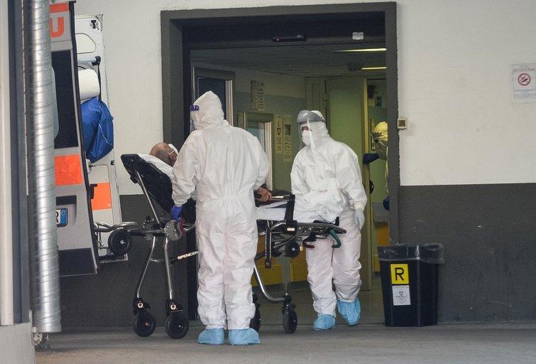 """Koronavirusas: pirmieji pavojaus ženklai """"ramiojoje"""" Švedijoje (nuotr. SCANPIX)"""