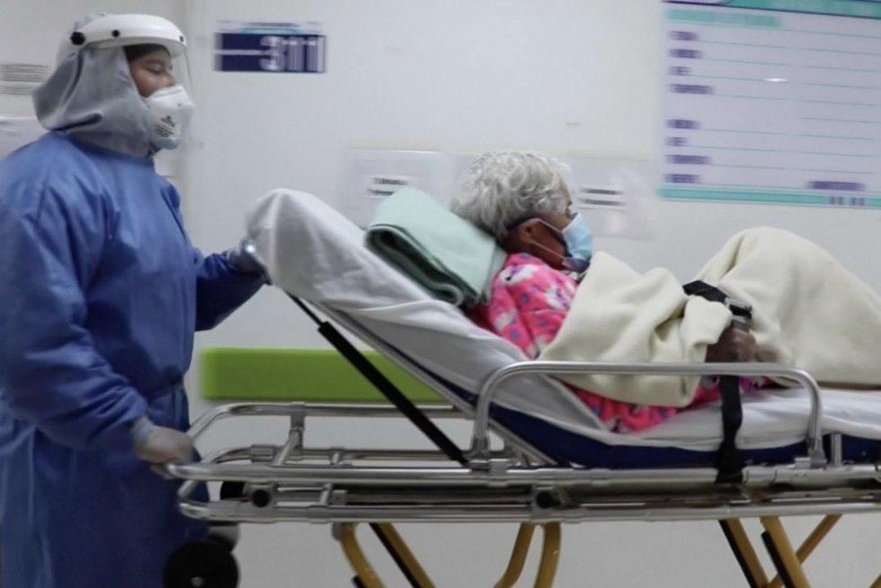 104 metų senolė antrąkart pasveiko nuo koronaviruso (nuotr. stop kadras)
