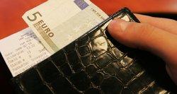 PVM tarifas sumažės nukentėjusiems verslams, bet gyventojams niekas neatpigs?