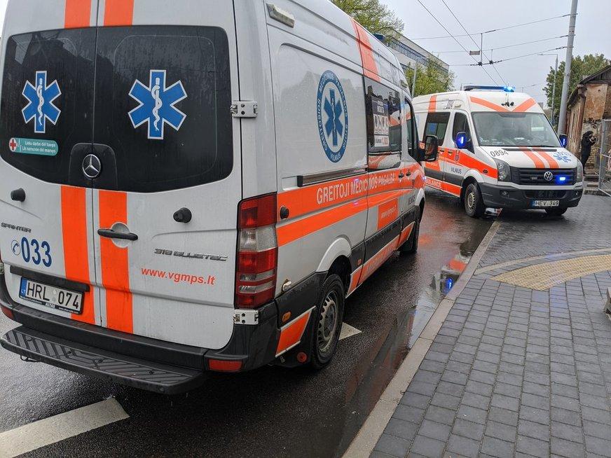 Vilniuje nuo pastolių nukrito darbininkas (nuotr. Bronius Jablonskas/TV3)