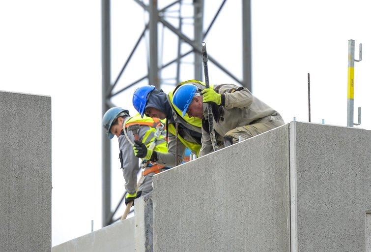 Darbas, statybos  (nuotr. Fotodiena/Justino Auškelio)