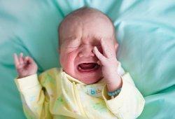 Dėl vaiko vardo kilo karas tarp anytos ir marčios: vaiką vadina skirtingais vardais