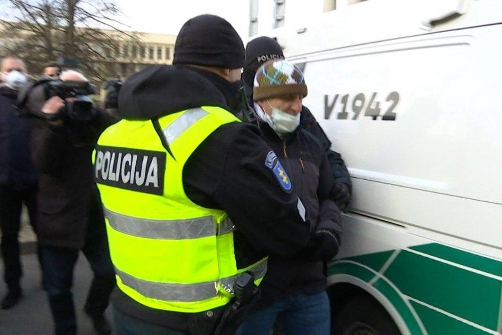 Vilniuje vyko protestai prieš kaukių dėvėjimą (nuotr. stop kadras)